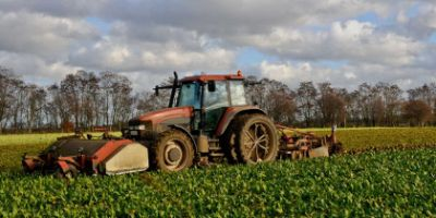 Single or dual assembly for agricultural tyres?