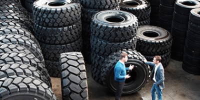 Choice between radial and diagonal tyres determined by use